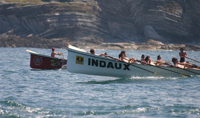 Les courses de barques traditionnelles